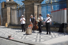 Quartet in front of Prague Castle