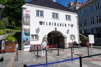 Entrance to Floibanen