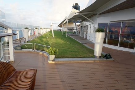 Lawn Club, Deck 15